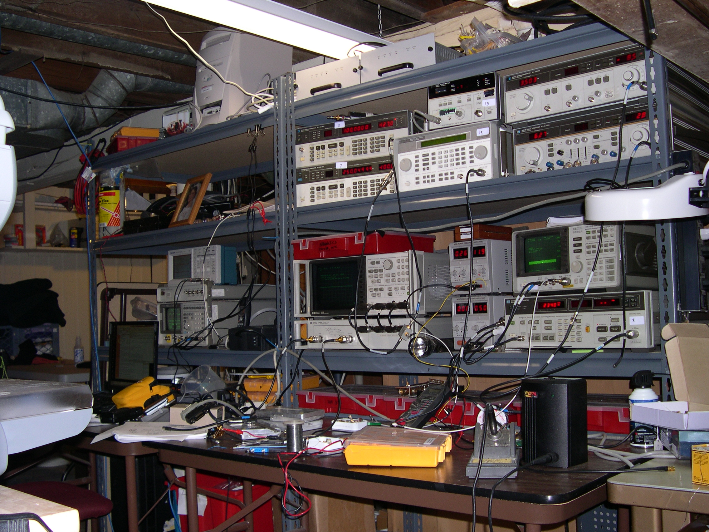 Electronics Lab Test : Rfdude testing and prototyping facilities